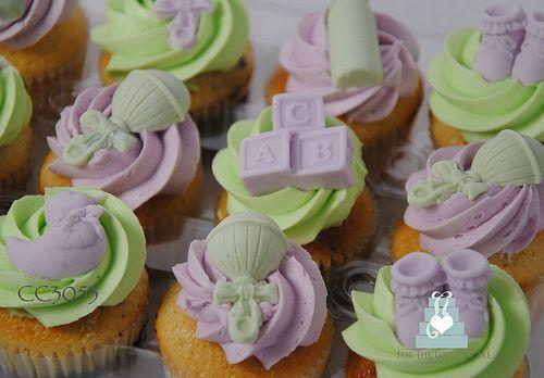 CC3053-baby-shower-cupcakes-3D-toronto