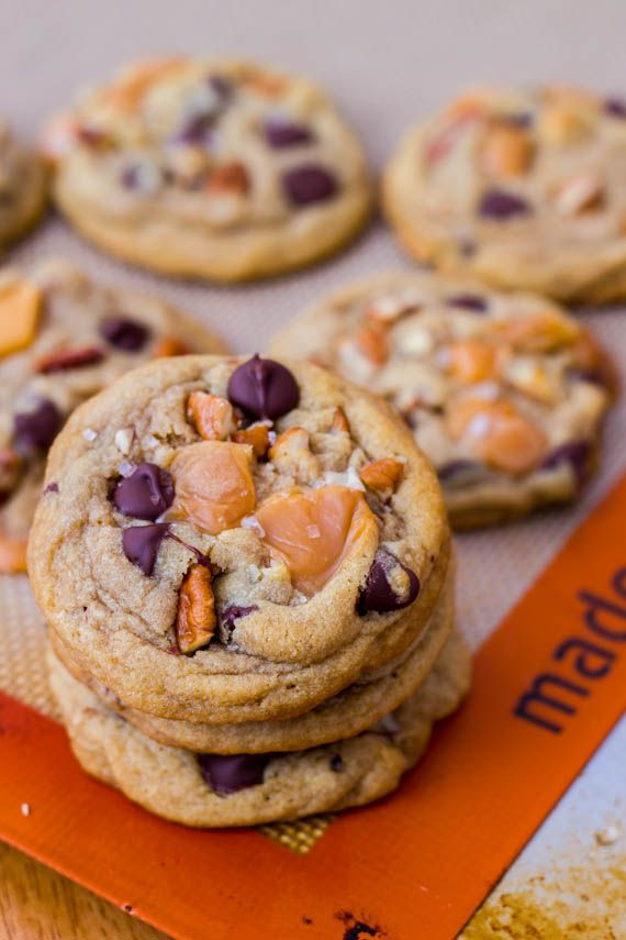 Salted Caramel Pecan Chocolate Chip Cookies - soft-baked and ...