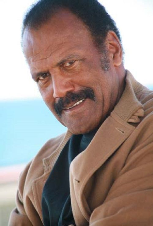 fred williamson how tall