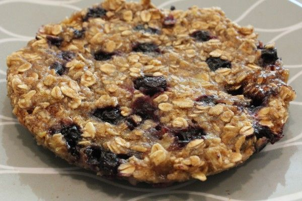 blueberry banana oat cakes - I'm going to try this with an oatmeal ...