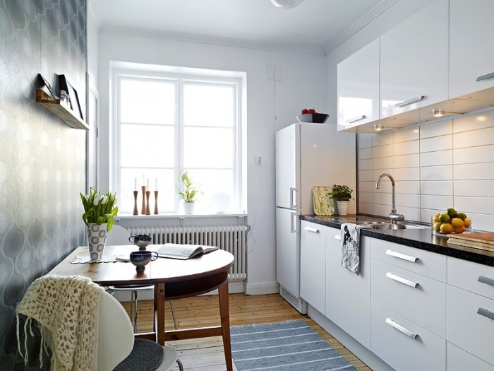 Simple white kitchen for small space kitchens pinterest for Kitchen in small place