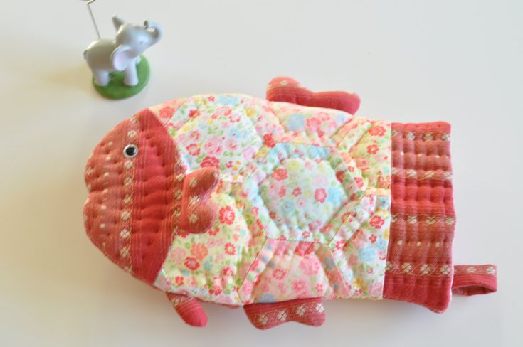 Fish baking glove oven mitt pdf sewing pattern by lypatterns