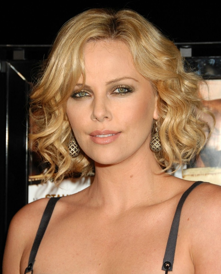 Charlize Theron-front view | SHORT Hair