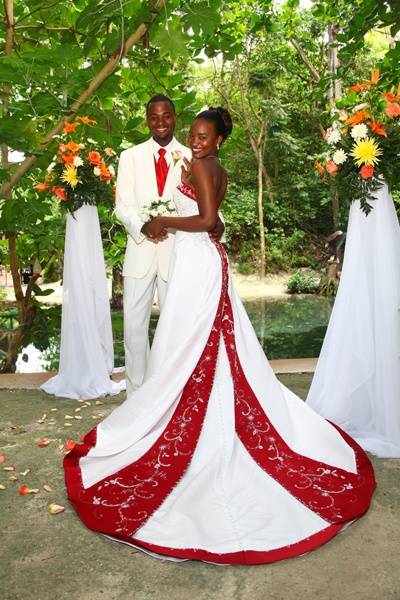 Wedding Dress For   In Jamaica : Jamaica wedding with a spectacular dress caribbean guide d