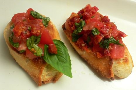 Tomato Basil Crostini | FOODOLOGY | Pinterest