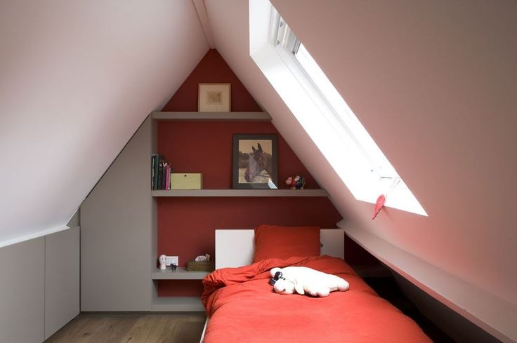 Slaapkamer op zolder  zolder opslag  Pinterest