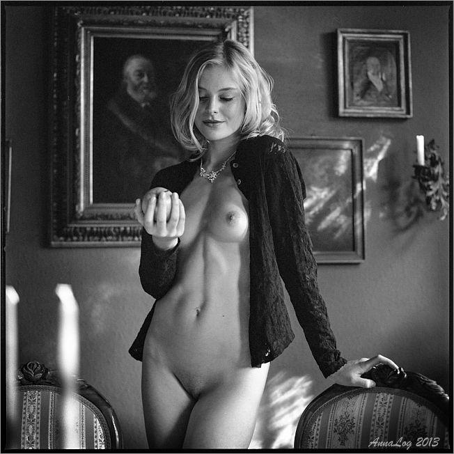 Norma Eberhardt Nude