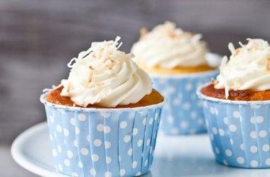 Honeysuckle and Jasmine Cupcakes | Food! | Pinterest