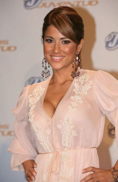 Jackie Guerrido Sin Calzones Love the dress jackie guerrido