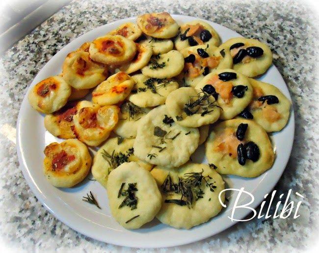 http://leideedibilibina.blogspot.it/2014/04/pizzette-pane-edolcetti.html