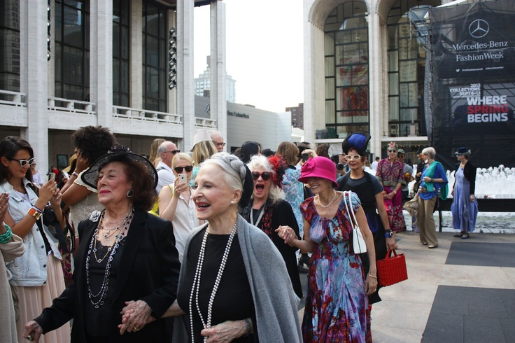 Advanced Style's Flash Fashion Show in Lincoln Center <3