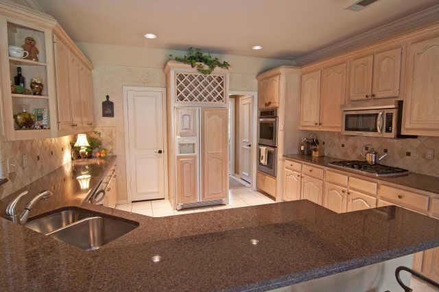 1990 39 s kitchen home pinterest for Classic house 1990