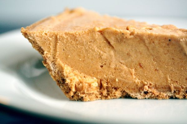 Pumpkin Ice Cream Pie - a pumpkin treat for hot weather. Perfect for ...