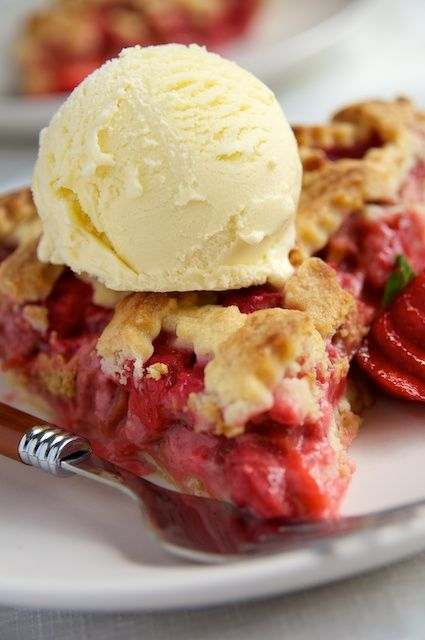 Classic Strawberry Rhubarb Pie with Ice Cream... how i miss that