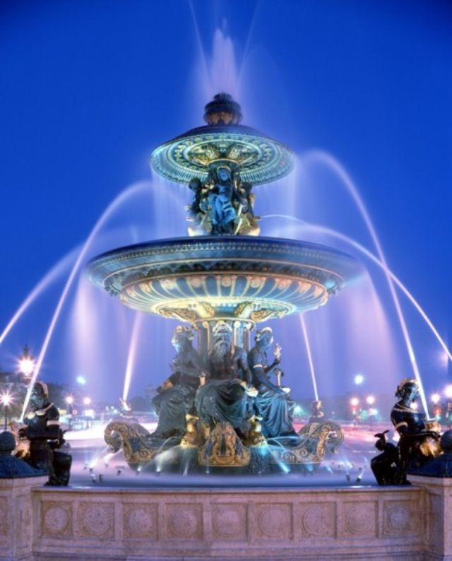 Beautiful Fountain At Night Fountains Water Fountains Ponds Pi