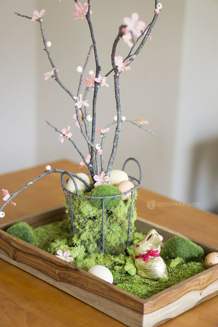 Diy natural easter table centerpiece for Centerpiece decorations