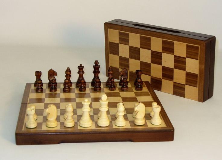 Magnetic 12 Folding Wood Chess Set