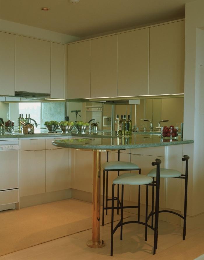 kitchen mirrored backsplash home y pinterest best 25 mirror tiles ideas on pinterest antique mirror