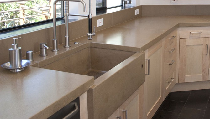 The Old Concrete Sink About To Fall Over Images Frompo