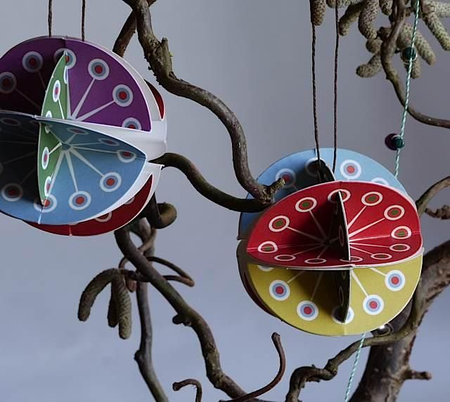 Holiday Gift: Paper Christmas Baubles by