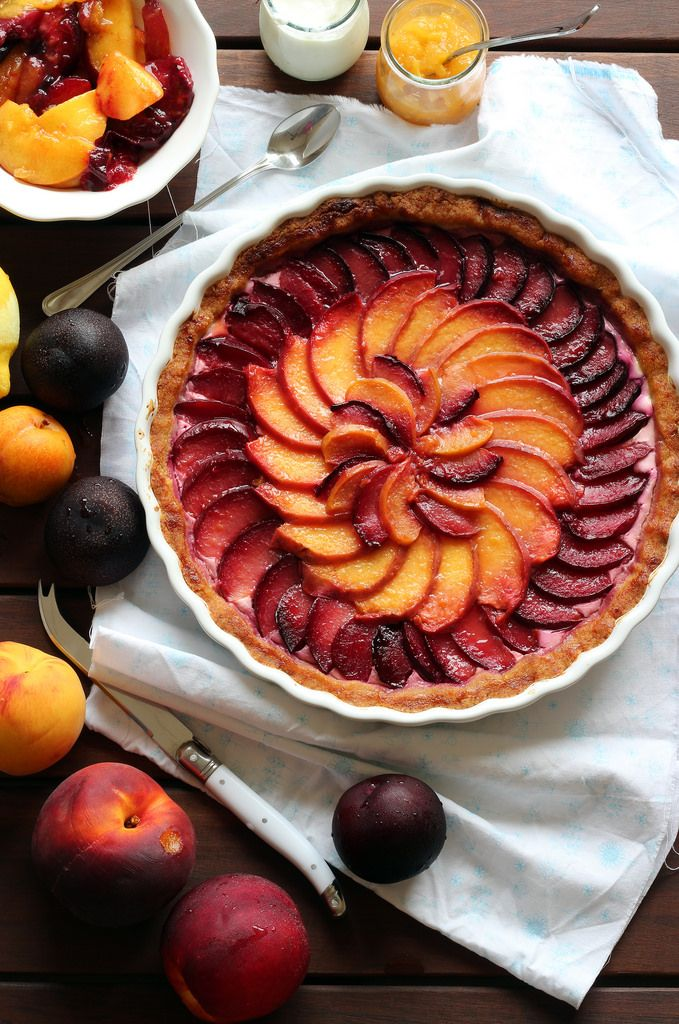 Tart peaches and plums with mascarpone and yogurt
