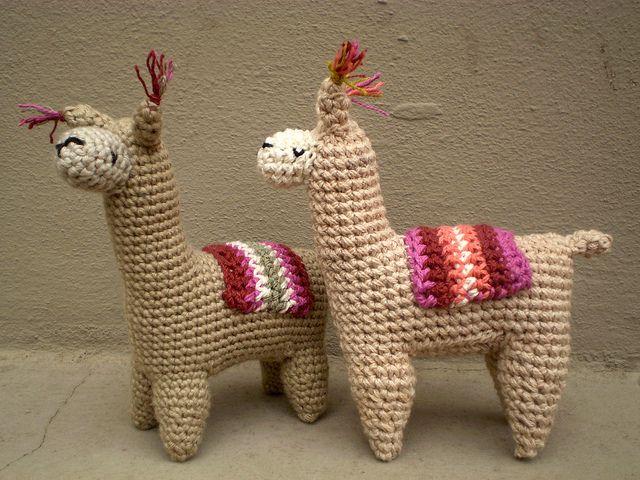 Crochet Amigurumi Llama : 2 llamas, via Flickr. Amigurumi Crochet Pinterest