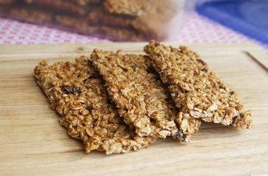 Easy Crispy Fruit and Nut Granola Bars Recipes