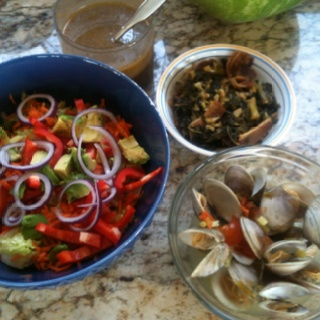 Steamed clams (in chicken broth, white wine, lemon juice, garlic ...