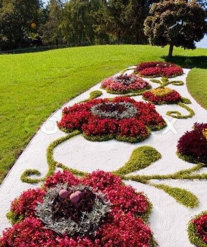Beautiful flower bed creative design and unusual ideas for Beautiful flower beds