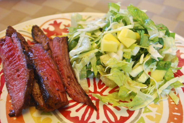 """lunch """"Point-less"""" Meals: Grilled Asian Flank Steak with Mango Salad"""