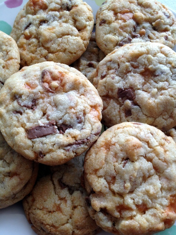 butterfinger cookies i-luv-u-like-a-fat-kid-luvs-cake-and-cookies ...