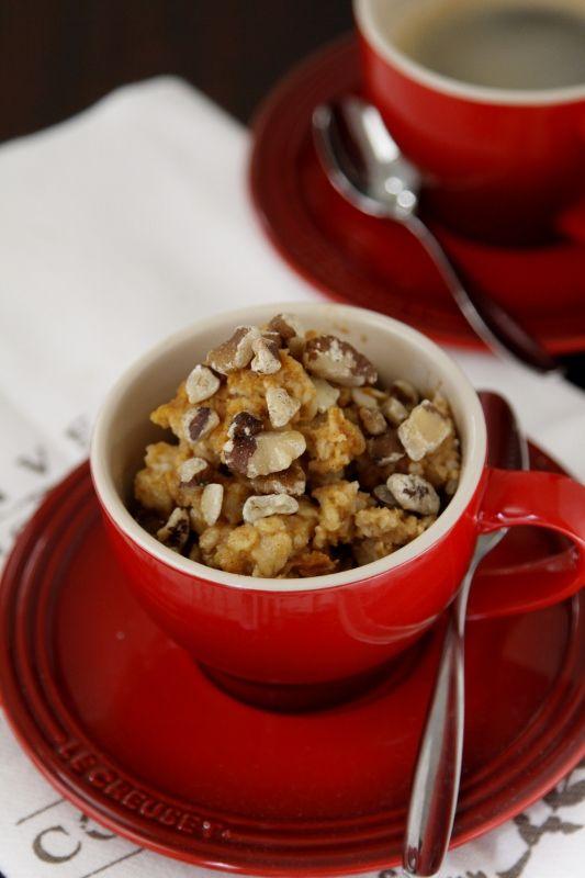 Baked pumpkin pie oatmeal (via @bellalimento)
