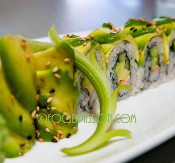 Avocado Rolls from Food Passion.... Wholly Batman this is beautiful!