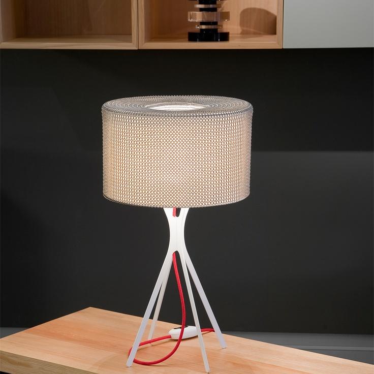 easy lampe cotte de maille fil rouge s lampe poser le labo desi. Black Bedroom Furniture Sets. Home Design Ideas