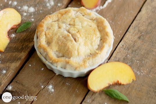 Super Simple Mini Peach Pies