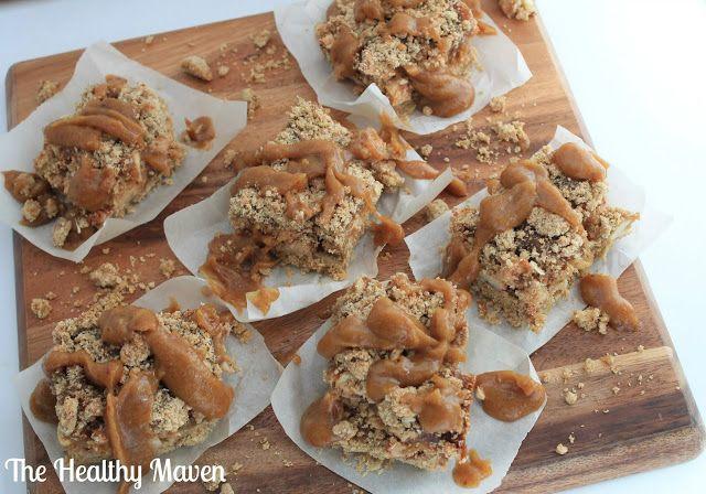 The Healthy Maven: Salted Caramel Apple Crumb Bars