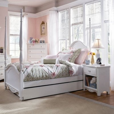Perfect Bedroom Set For Your Favorite Young Lady The Full Size Bed