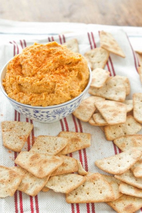 Sweet Potato Curry Hummus- I love using sweet potato in everything, it ...