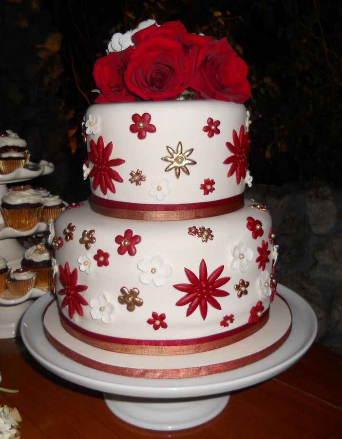Christmas Wedding Cake Christmas/Winter Cakes Pinterest