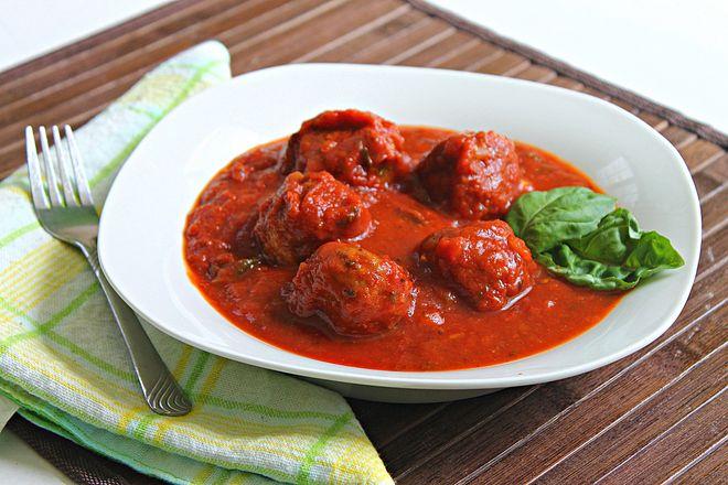 Meatballs & Tomato Basil Sauce | Food/Drink/Desserts | Pinterest