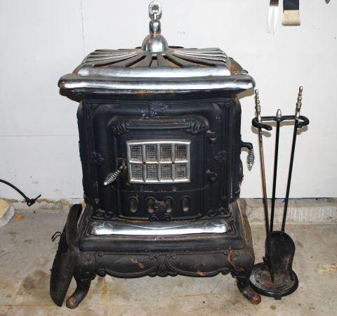 Wood burning stove antique antiques pinterest - Antique wood burning stove ...