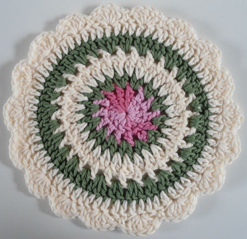 Winter Greeting potholder  ~ free pattern