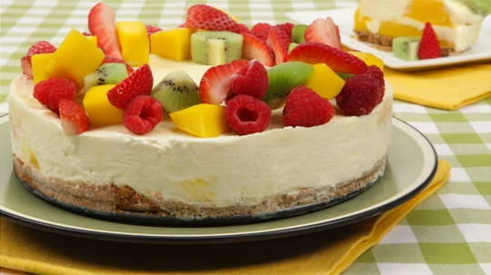 Mango swirl ice cream cake~super easy, delicious and feeds a crowd.