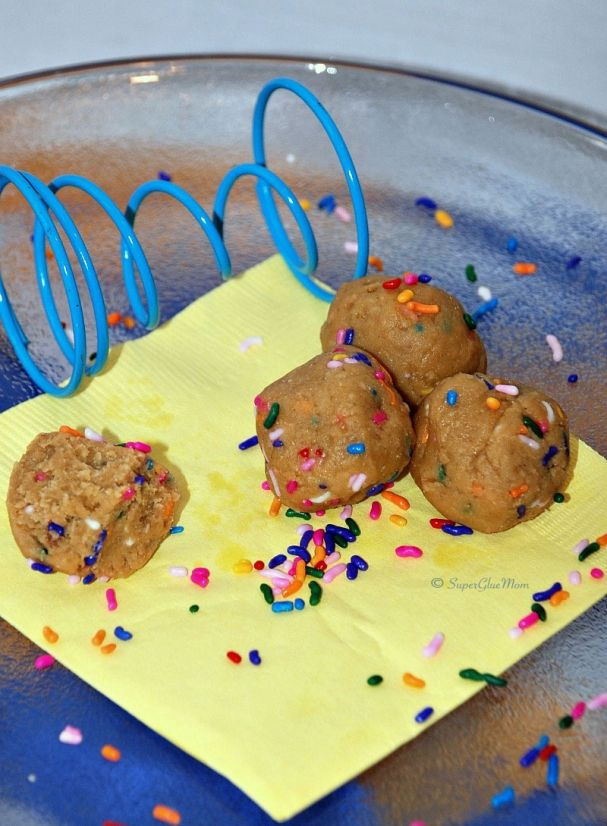 Birthday Cake Bites #glutenfree #vegan #treats for kids! SuperGlueMom 3