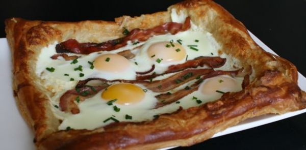 Bacon and egg breakfast tart by monal http://www.bakespace.com/recipes ...