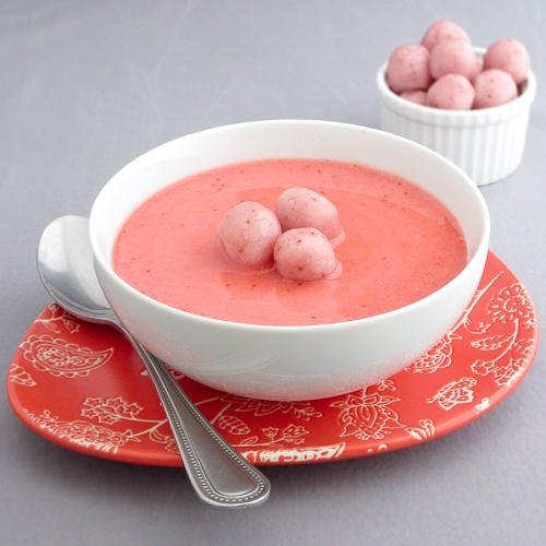 Chilled strawberry soup with strawberry chocolate sticky rice balls