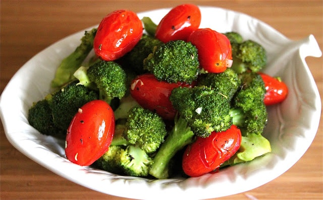Quick and Easy Vegetable Side Dishes {Sauteed Broccoli and Red Bell P ...