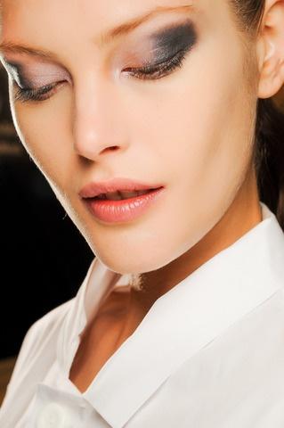 Michael Kors Fall 2013. http://votetrends.com/polls/369/share #makeup #beauty #runway #backstage