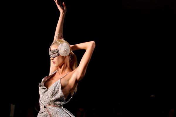 drama / lino villaventura at sao paulo fashion week