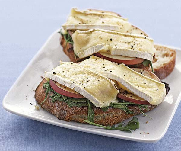 Open-Face Brie, Apple, and Arugula Sandwiches | Recipe